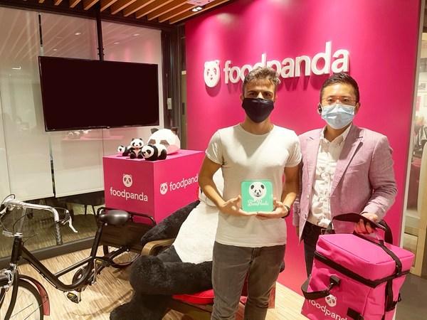 圖為 BenePanda 創辦人熊錦河 Teddy(右)及 foodpanda 香港營運部總監 Pedro Dias(左)